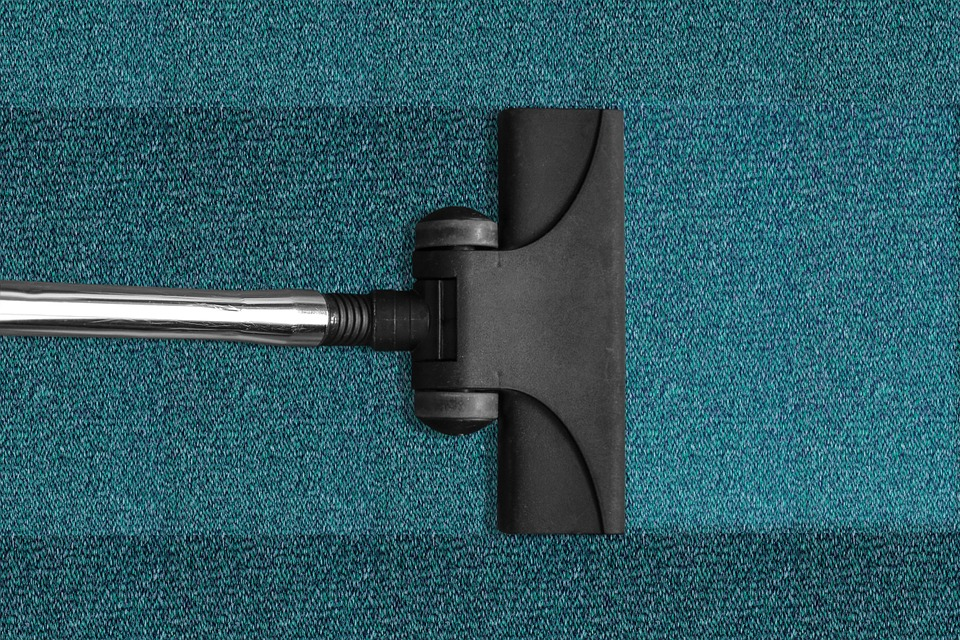 Nettoyez la brosse de l'aspirateur