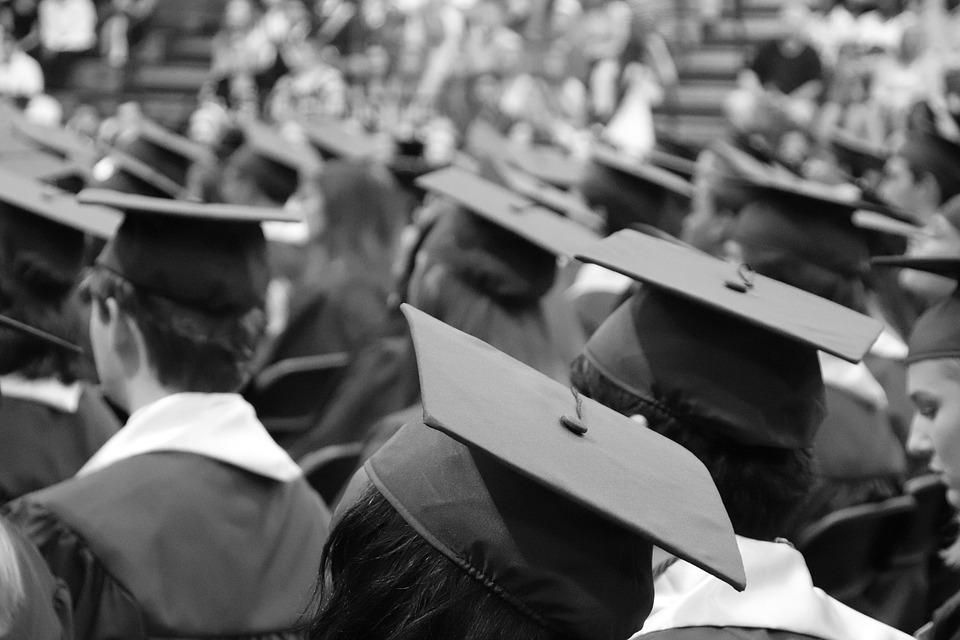 Les universitaires ne gagnent pas toujours plus en fonction de leur vie